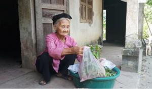 Cụ bà 83 tuổi xin được thoát nghèo suốt 2 năm ròng