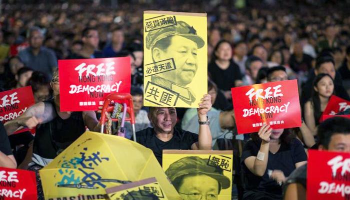 Người Hồng Kông xuống đường phản đối luật dẫn độ.