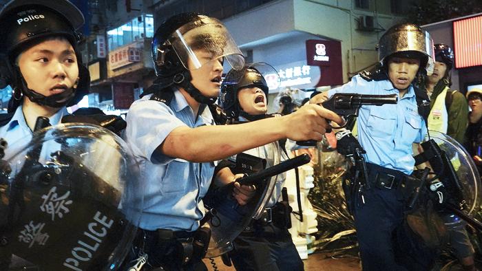 Lực lượng cảnh sát Hồng Kông hiện tại đã bị trộn lẫn rất nhiều cảnh sát Trung Quốc Đại lục.