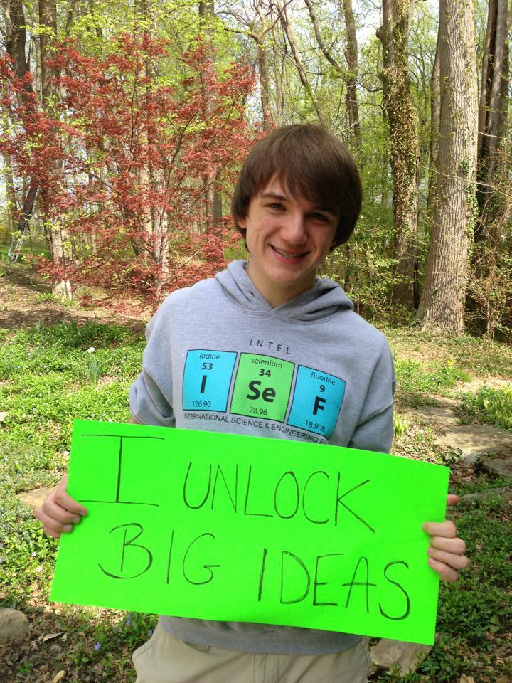 Cậu bé 15 tuổi phát minh ra thiết bị giúp xét nghiệm ung thư tuyến tụy chính xác 100%