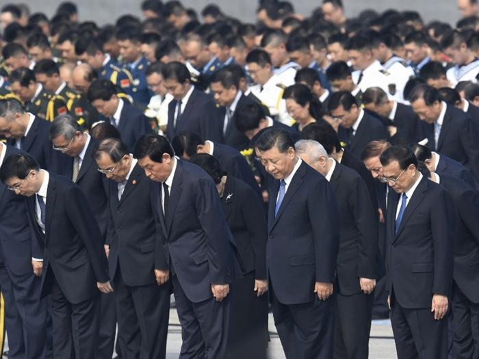 Ngày 30/9, lãnh đạo ĐCSTQ Tập Cận Bình đã dẫn đầu Ban Thường vụ Bộ Chính trị đến viếng Nhà tưởng niệm Mao Trạch Đông.