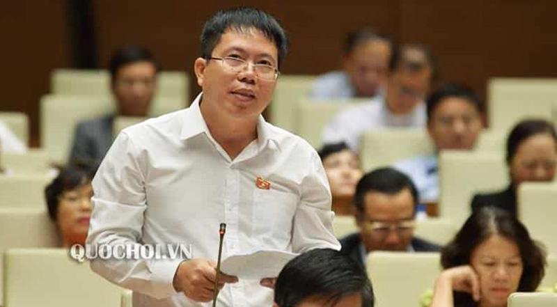Viện trưởng Viện nghiên cứu Lập pháp Nguyễn Văn Hiển đề xuất cắt lương hưu vĩnh viễn của cán bộ về hưu có sai phạm. (Ảnh qua quochoi)