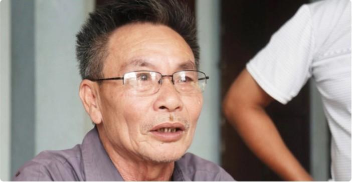 Ông Nguyễn Đình Sắt - bố của anh N.Đ.T. - trình báo con mất liên lạc trên đường qua nước Anh từ ngày 23/10. (Ảnh qua ĐKN)