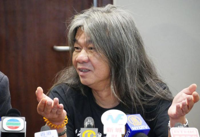Nhà lập pháp thân dân chủ Hồng Kông Lương Quốc Hùng.