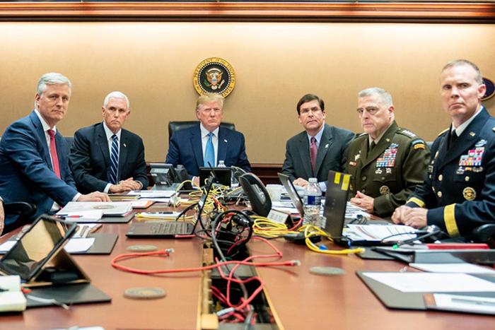 Tổng thống Donald Trump tại Phòng Tình huống theo dõi diễn biến trận đột kích tiêu diệt thủ lĩnh IS tại Syria ngày 26/10/2019. (Ảnh: Reuters)
