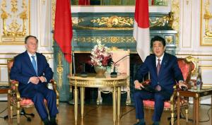 Biển Đông: Malaysia tăng cường sức mạnh hải quân, Nhật kêu gọi Trung Quốc nên kiềm chế