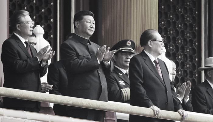 Giang Trạch Dân năm nay 93 tuổi, vẫn xuất hiện tại cổng thành Thiên An Môn nhân dịp mừng 70 năm ngày thành lập chính quyền của ĐCSTQ.