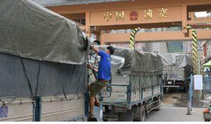 500 xe container chở thanh long bị mắc kẹt ở cửa khẩu Tân Thanh
