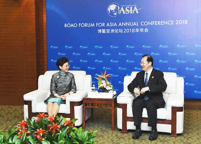 Ông Nhậm Học Phong gặp gỡ Trưởng Đặc khu Hồng Kông Lâm Trịnh Nguyệt Nga.