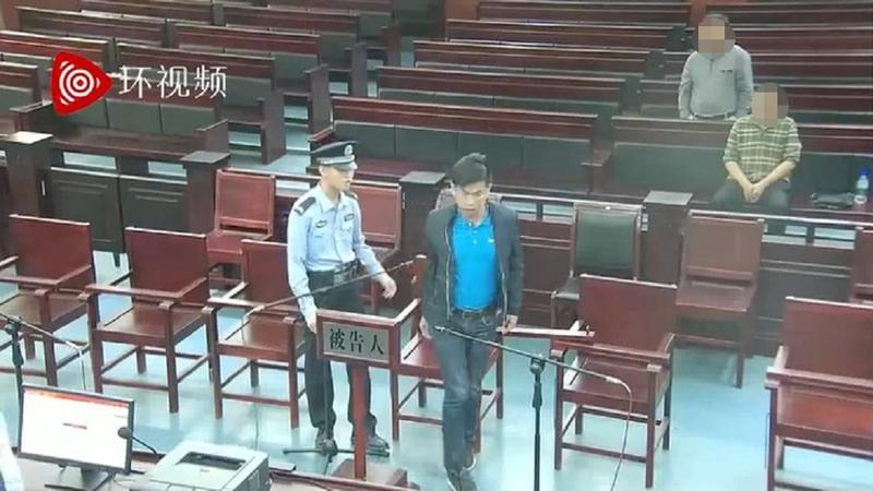 """Truyền thông ĐCSTQ đã tung lên một video quay lại phiên tòa xử """"Vương Lập Cường"""", tuy nhiên người trong video có nhiều điểm không giống với Vương Cường."""