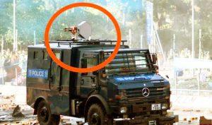 Cảnh sát HK sử dụng súng âm thanh và 'đạn đầu rỗng' để trấn áp người biểu tình