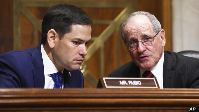 Thượng Nghị sĩ đảng Cộng hòa Jim Risch (phải) và Thượng nghị sĩ Marco Rubio.