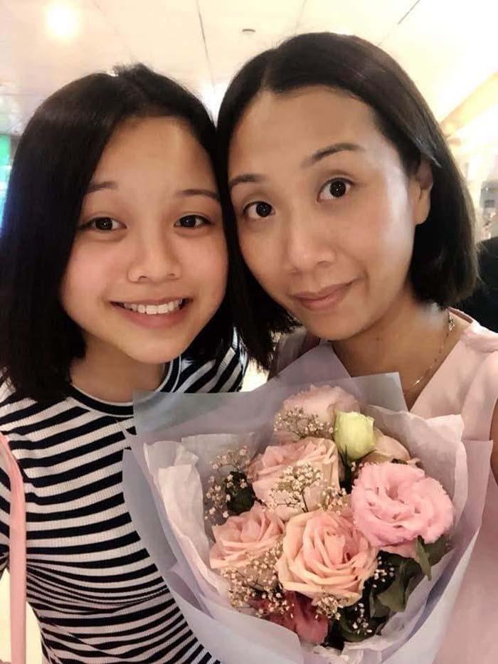 Hình ảnh 2 mẹ con Trần Ngạn Lâm.