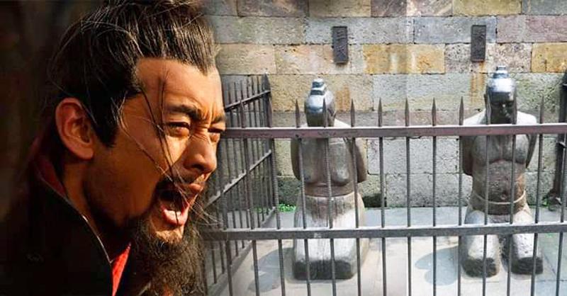 Tần Cối năm đó ỷ mình là tể tướng, chuyên quyền độc đoán, hãm hại trung thần Nhạc Phi.