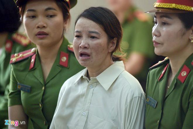 """Bị cáo Hiền nói do """"chúng giết con gái tôi song bị bắt nên cùng nhau lập mưu hãm hại tôi"""". (Ảnh qua Zing)"""