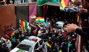 Bolivia: Tổng thống từ chức sau khi bị quân đội và cảnh sát 'quay lưng'