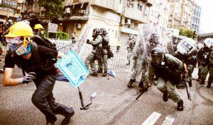 Người trung niên ở Hồng Kông: Trấn áp càng lớn phản kháng càng nhiều