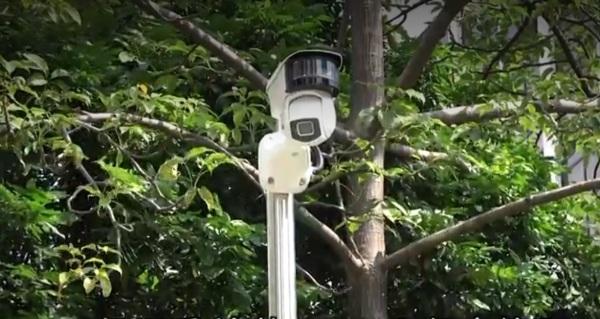 Doanh trại quân đồn trú ở Hồng Kông trang bị thêm camera giám sát các trường đại học (ảnh 1)