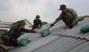 Phú Yên: Một người đàn ông bị điện giật tử vong khi chằng mái nhà chống bão