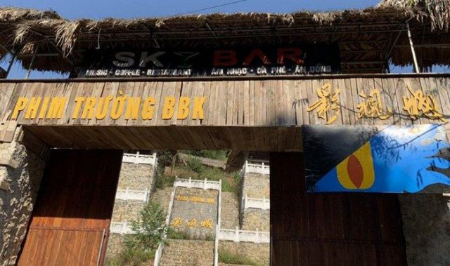 Công trình 'phim trường BBK bí ẩn' được gắn nhiều chữ Trung Quốc ở TP. Lạng Sơn (Ảnh qua vtcnews)