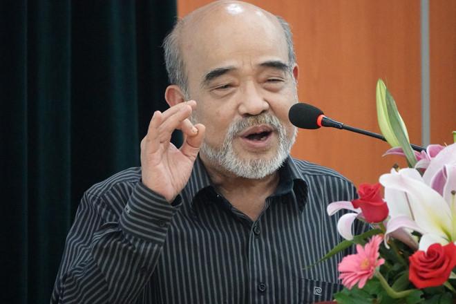 GS Đặng Hùng Võ phát biểu tại hội thảo.