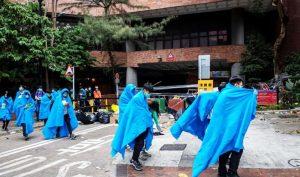 ĐH Bách khoa Hồng Kông ngày 19/11: 800 người rời trường, gần 100 cố thủ