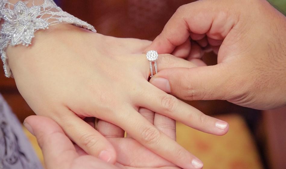 Trong gia đình, người vợ càng hạnh phúc hôn nhân sẽ càng bền vững