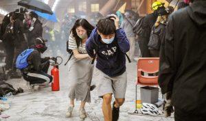 Âm mưu đằng sau việc cảnh sát Hồng Kông tấn công các trường đại học
