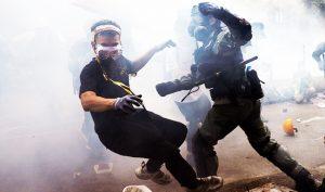 """Cảnh sát Hồng Kông đe dọa muốn lặp lại """"thảm sát Thiên An Môn"""""""