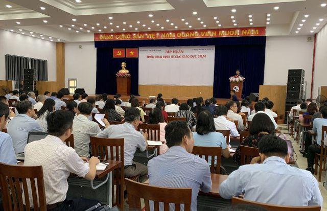 Một chương trình tập huấn tổ chức tại hội trường Sở GD-ĐT TP.HCM. (Ảnh qua dantri)