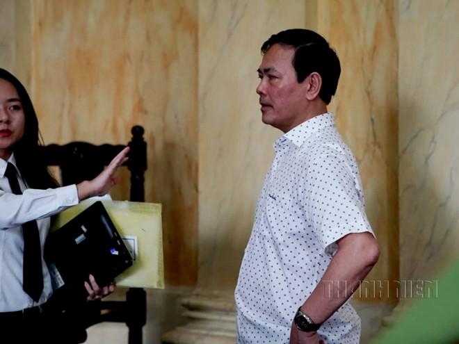 Bị cáo Nguyễn Hữu Linh sau khi nghe tuyên án.
