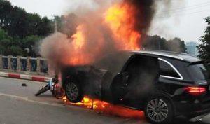 Nữ tài xế lái Mercedes gây tai nạn khiến 4 chiếc xe cháy rụi trên đường Lê Văn Lương