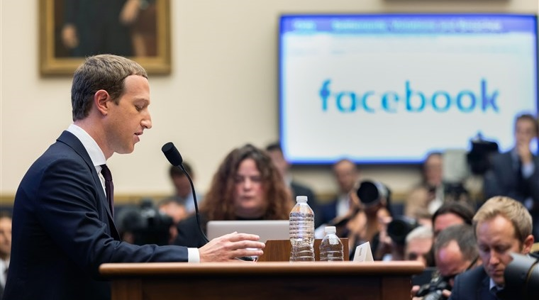 Mark Zuckerberg điều trần trước Ủy ban Dịch vụ tài chính Hạ viện Mỹ.