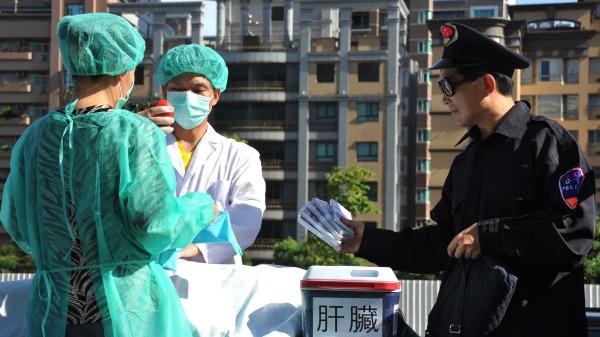 """Phim bom tấn Hollywood """"The Laundromat"""" bị cấm chiếu ở Trung Quốc Đại lục (ảnh 3)"""