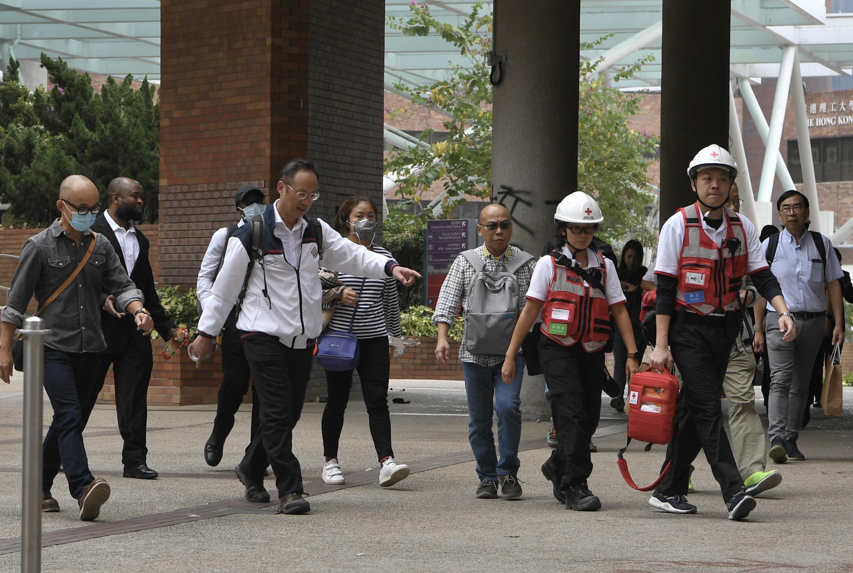 """Người biểu tình ở Đại học Bách khoa Hồng Kông tiết lộ """"cuộc sống bên trong trường"""" (ảnh 4)"""
