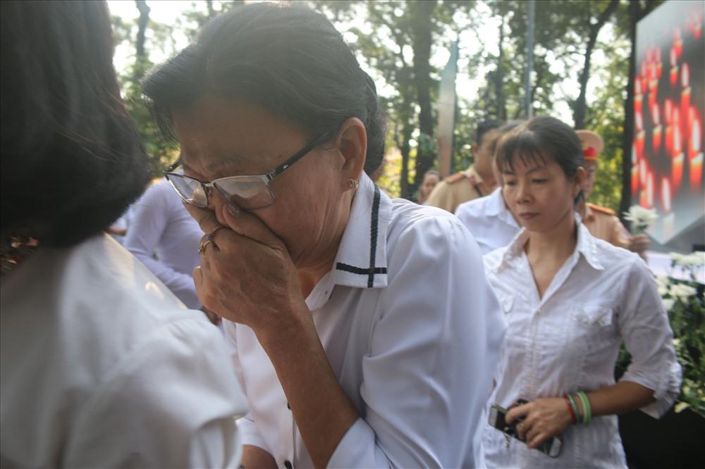Nhiều người không kìm nổi nước nước mắt khi nhớ về người thân bị TNGT