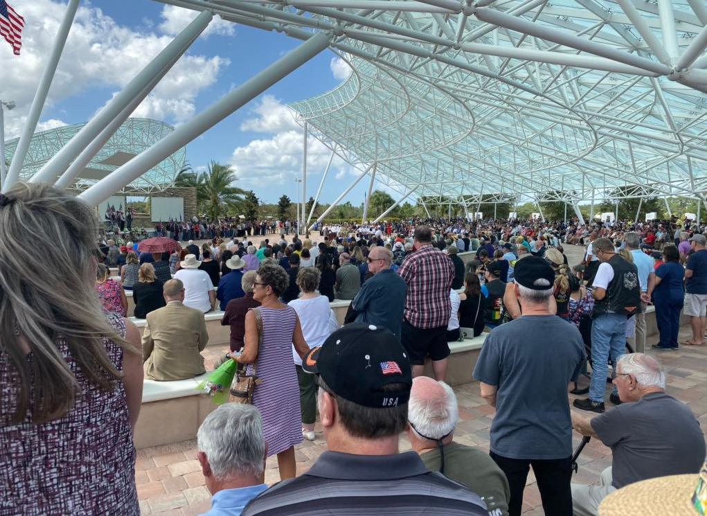 4.000 người tới dự đám tang của một cựu chiến binh không quen biết