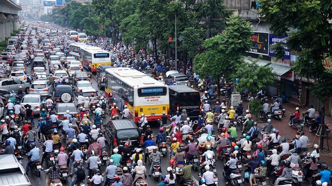 Lượng dân di cư vào các thành phố lớn ngày càng tăng.
