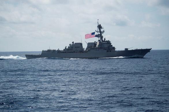Tàu khu trục mang tên lửa dẫn đường USS Wayne E. Meyer.