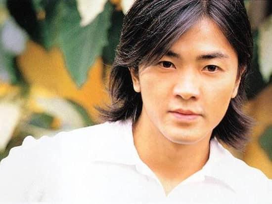 Trịnh Y Kiện, diễn viên nổi tiếng với bộ phim 'người trong gian hồ'.