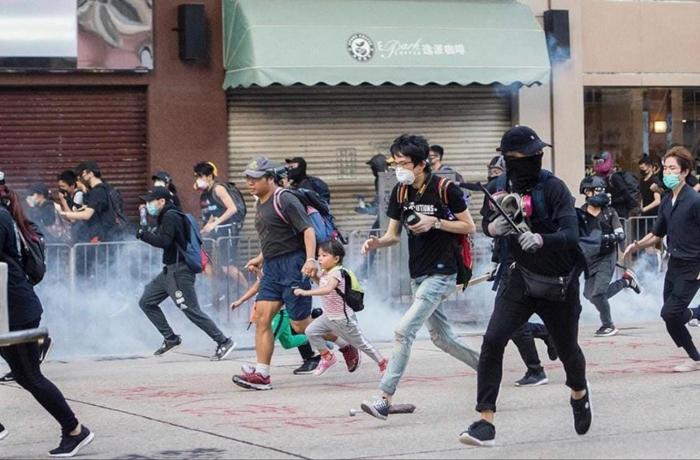 Tập Cận Bình từ sau khi phong trào biểu tình tại Hồng Kông diễn ra, không có cách nào để nhận được tin tình báo chân thật