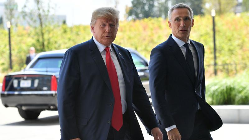 Tổng thư ký Jens Stoltenbeg và Tổng thống Donald Trump.