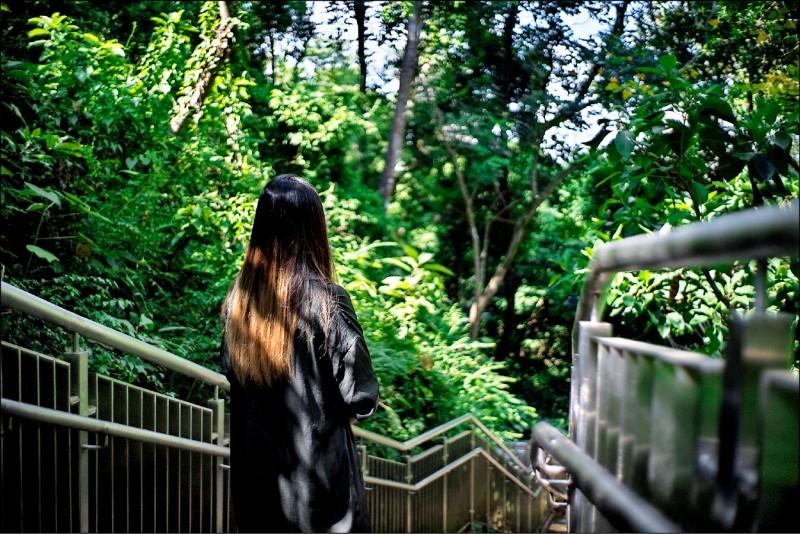 Amei thừa nhận rằng cô rất buồn, không ngờ rằng cô sẽ mất đi những người bạn tốt vào thời khắc quan trọng của cuộc đời.