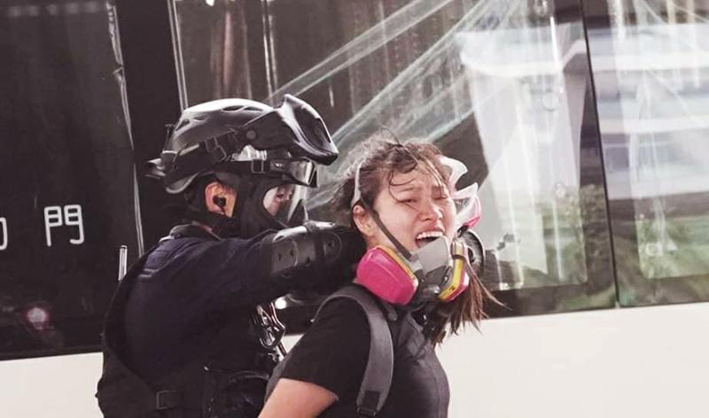 Phong trào phản đối dự luật dẫn độ đã diễn ra hơn nửa năm nay, cảnh sát Hồng Kông không ngừng tăng cường các cuộc trấn áp bạo lực