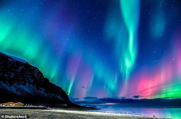 Bắc Cực trôi nhanh từ Canada sang Nga, Trái đất sắp đảo ngược? - ảnh 3