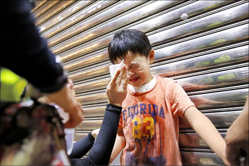 Bé gái 7 tuổi Hồng Kông gọi Carrie Lam là một loại vi khuẩn (ảnh 2)
