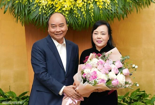 Các thành viên chính phủ chia tay bộ trưởng Bộ Y tế Nguyễn Thị Kim Tiến-ảnh 1
