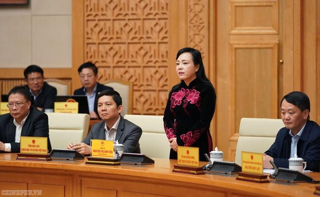 Các thành viên chính phủ chia tay bộ trưởng Bộ Y tế Nguyễn Thị Kim Tiến-ảnh 2