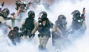 """""""Tiền làm thêm giờ"""" của cảnh sát Hồng Kông trong nửa năm gần 1 tỷ nhân dân tệ"""