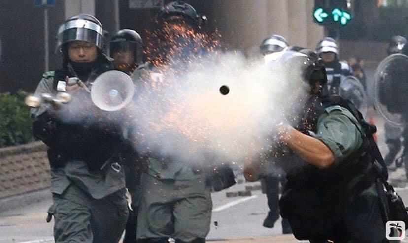 Tương lai của tân cảnh sát trưởng Hồng Kông thật khó dự đoán (ảnh 5)